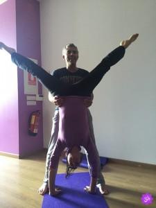 Espacio-AUM-Yoga-Studio-Acroyoga