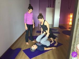 Acroyoga en Espacio AUM Yoga Studio Castelldefels
