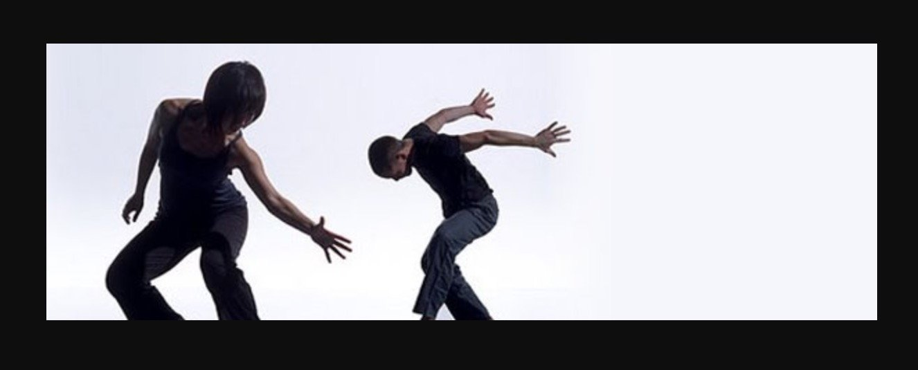 Exprecion corporal en Espacio Aum Castelldefels - Tu centro de yoga