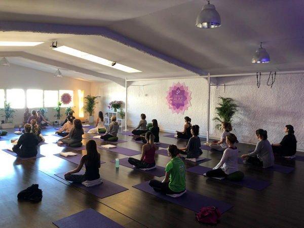 Vinyasa Rocket - Gavà - Espacio Aum Yoga Studio Castelldefels y Gavà